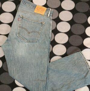 Mens Levi jeans 559 size 36 32 medium wash worn in